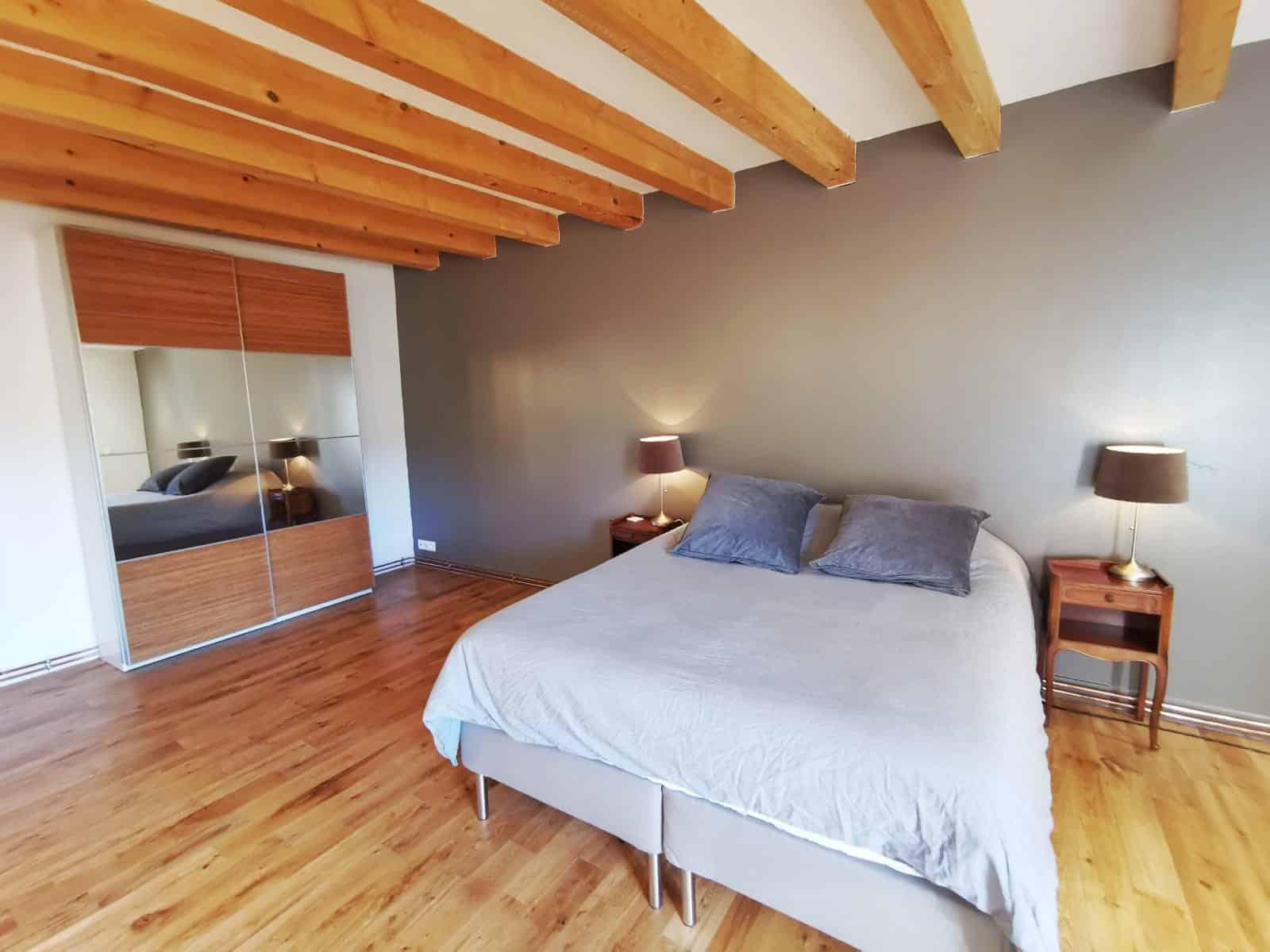 Chambre rénové et pratique