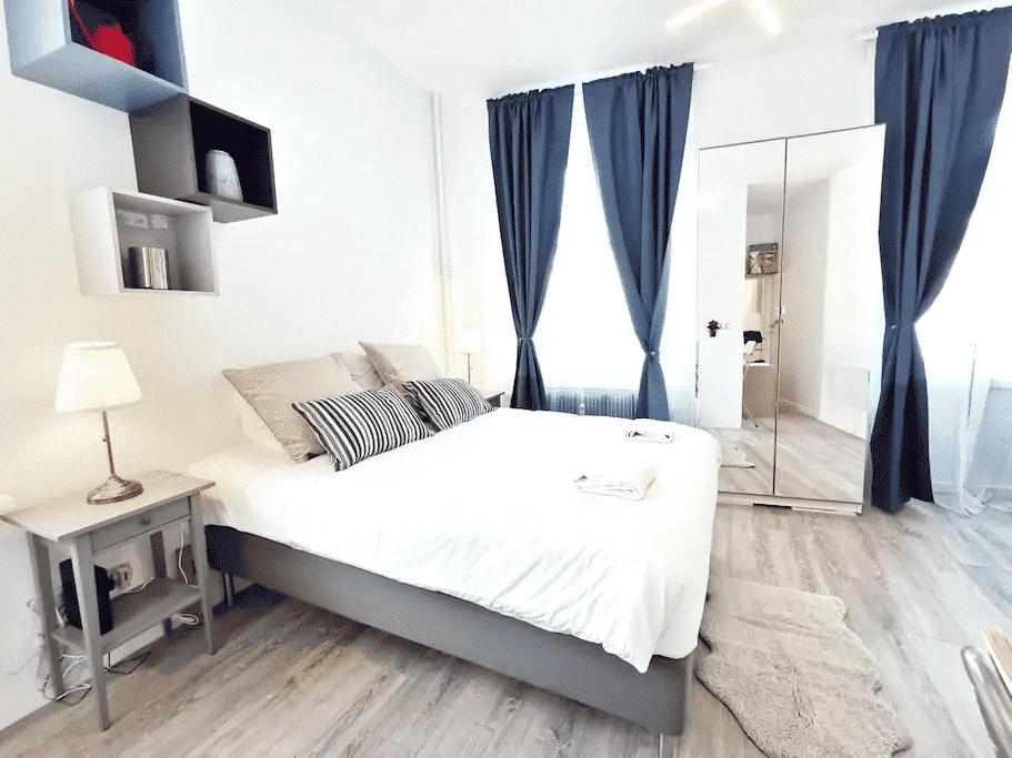 Chambre spacieuse location courte durée