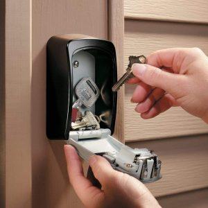 rangement de clé dans une boite à clé